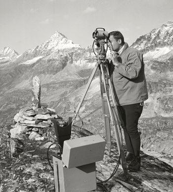 Topografía en años 60 – 1 (by LEICA)