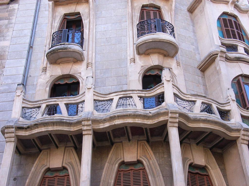 Topografía - Planos de edificaciones antiguas y modernas
