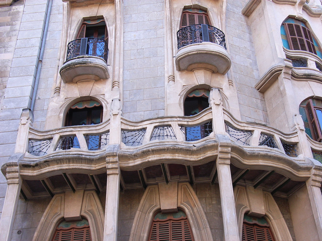 Topografía - Planos de edificaciones antigüas y modernas